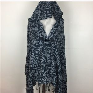 Sweaters - NWT Aztec Blue & Gray Hooded Fringe Poncho